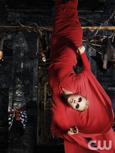 America's Next Top Model_顛倒世界_Upside Down_時尚Schön! Magazine_愛麗絲夢遊仙境_Alice in Wonderland_超現實