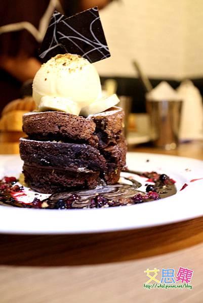 巧克力溶岩-融化的太犯規啦-1.JPG