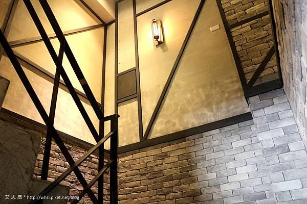 潘‧卡菲卡費-感覺不賴的樓梯間.JPG