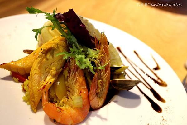 潘‧卡菲卡費-西班牙蕃茄紅花海鮮燉飯2.JPG