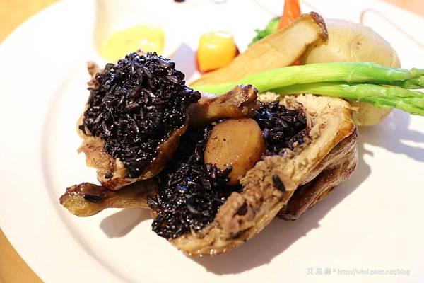 潘‧卡菲卡費-義式烘烤香草野米小春雞佐蜂蜜芥末籽醬2.JPG