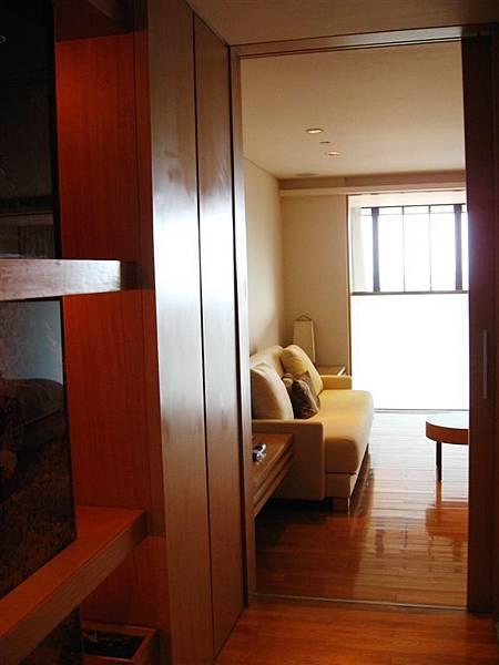 樓中樓2F向外看