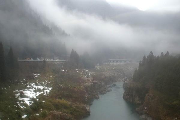 通往高山市火車沿路風景
