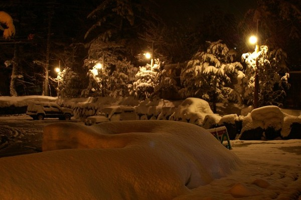 平湯之森停車場(已積雪很深!)