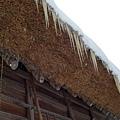 合掌屋的屋簷是茅草