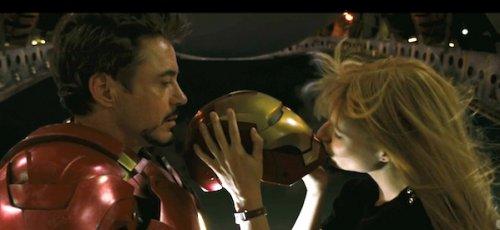 Iron-Man-Kiss.jpg