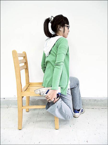 大腿前側肌肉拉筋