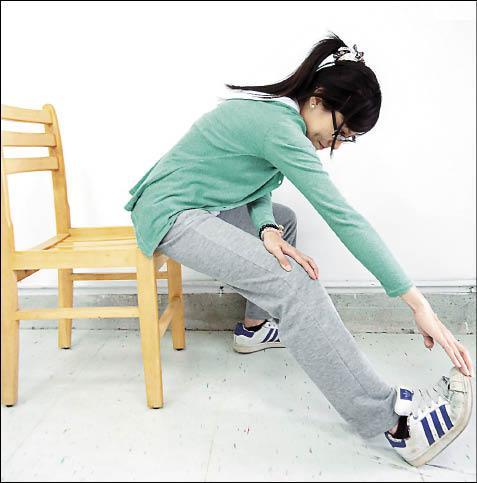 膝蓋後側肌肉拉筋