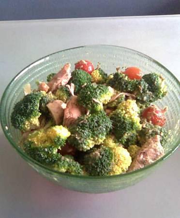 5款OL必備健康防輻射食譜 鲔鱼花椰菜