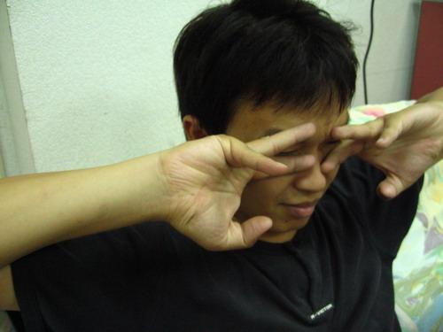 蟑螂/阿華組:蟑螂