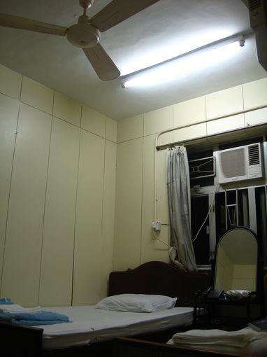 [20081230]九龍招待所雙人床房間