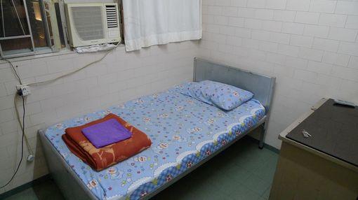[20091231]背囊者旅店單人房房間