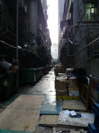 [20100104]重慶大廈垃圾集中地