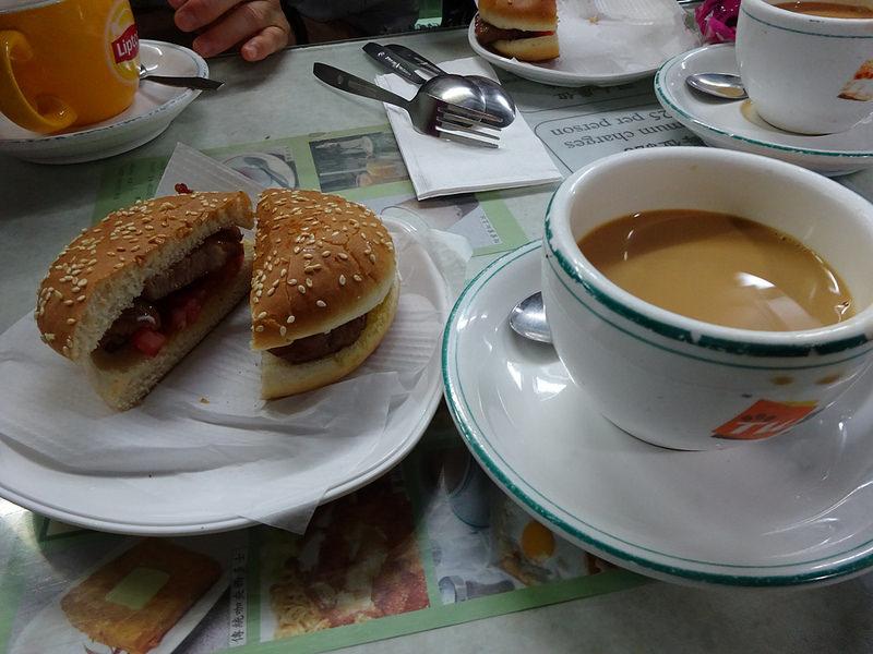 蘭芳園 豬扒包、絲襪奶茶