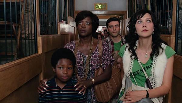 Wont-Back-Down-Viola-Davis-Oscar-Isaac-Maggie-Gyllenhaal1