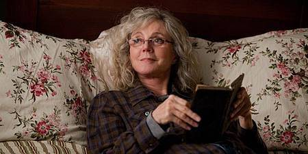 The-Lucky-One-Blythe-Danner