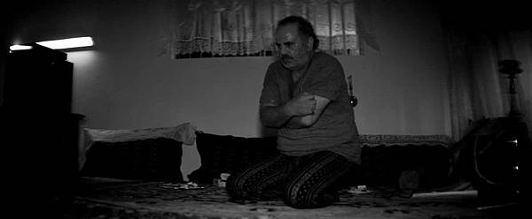 A Girl Walks Home Alone at Night_cold turkey