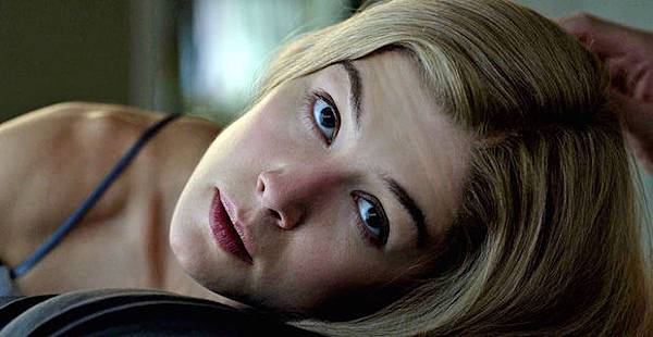 gone-girl-movie-rosamund-pike-amy-dunne.jpg