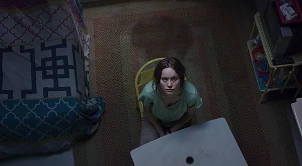 Room-Movie-01.jpg