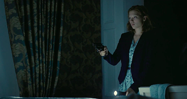 the-lobster-movie-trailer-images-stills-lea-seydoux.png