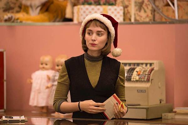 Rooney-Mara-Carol-Movie-Santa-Hat.jpg