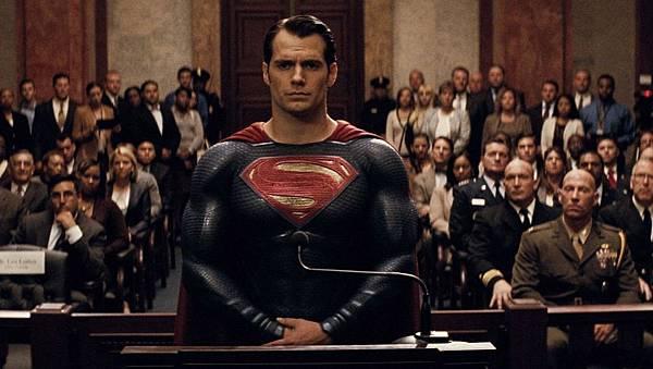 BatmanVSuperman-xlarge.jpg