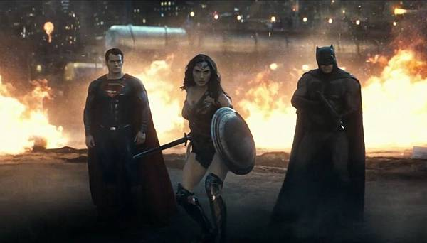 reaction-to-second-batman-v-superman-dawn-of-justice-trailer-737594.jpg