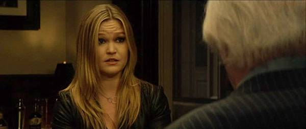 005 Julia Stiles as Jane Clemente.jpg