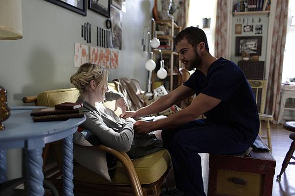 franny_theo_james_dakota_fanning2.jpg