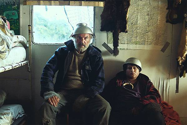 Hunt_For_The_Wilderpeople_review_article_story_large.jpg