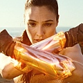 Wonder-Woman-Movie-Glowing-Vambraces.jpg