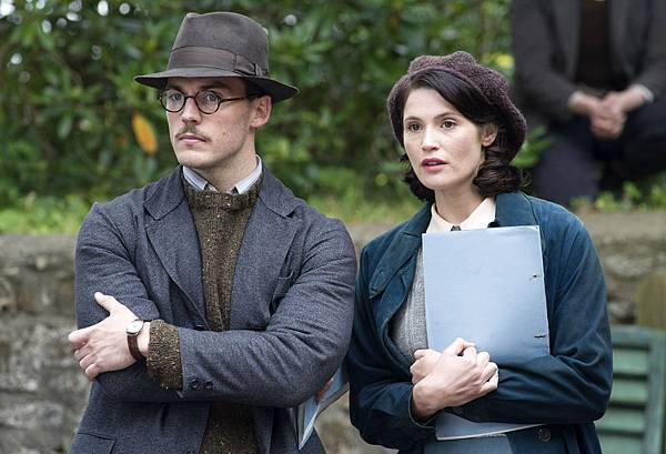 their-finest-sam-claflin-gemma-arterton-01.jpg