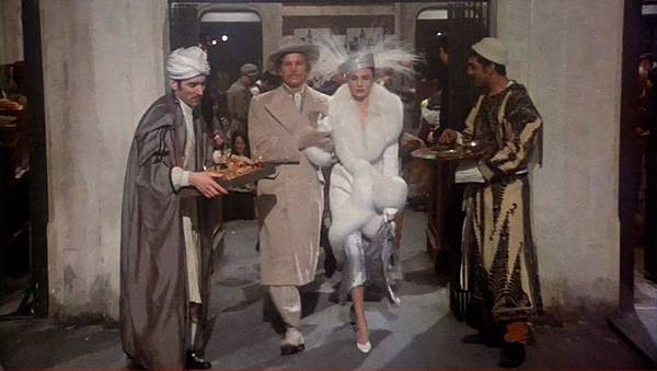 Michael-York-Jacqueline-Bisset-Murder-on-the-Orient-Express-1974.JPG