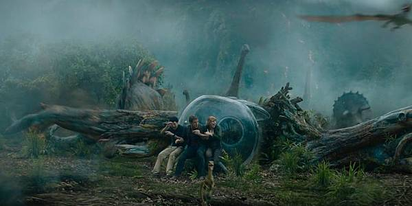 Jurassic-World-Fallen-Kingdom-Chris-Pratt-and-Bryce-Dallas-Howard.jpg