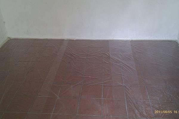 110806鋪地板_006.jpg