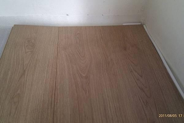 110806鋪地板_009.jpg