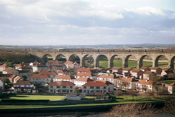 1033_07_4---1880-built-Royal-Border-Bridge--Berwick-upon-Tweed_web.jpg