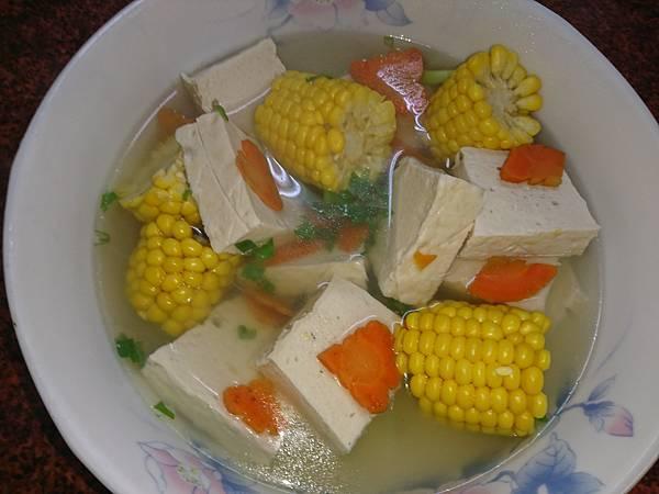 百頁豆腐玉米湯.JPG