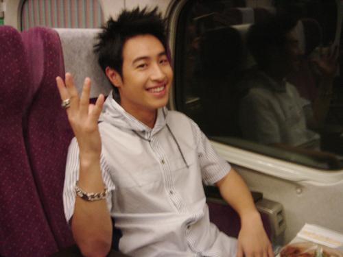 第一次坐高鐵