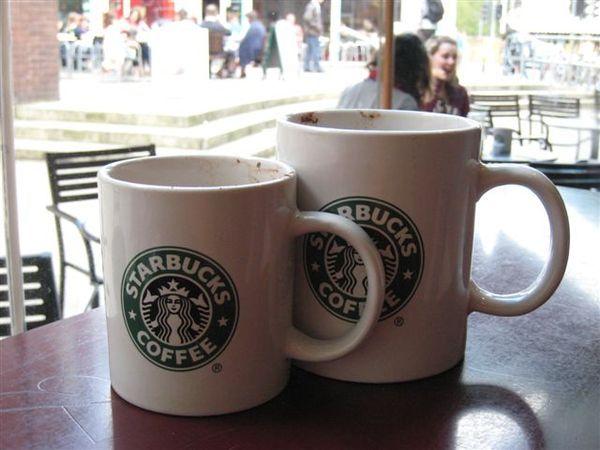 連咖啡的size都跟我們的體型很像XD