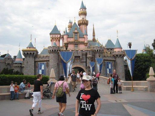 愛台灣@LA Disneyland