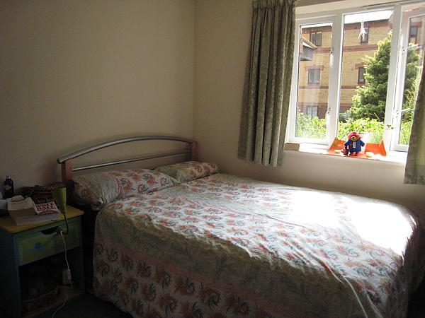 不算小的臥室&我們的大床