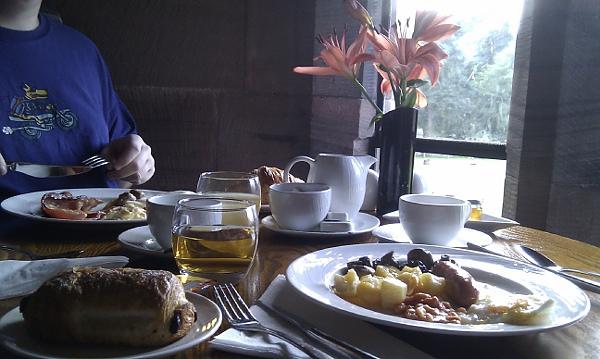 城堡風的豐盛早餐
