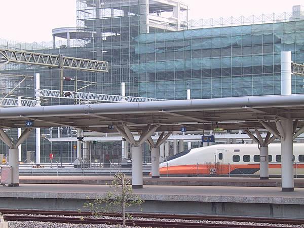 TRA 新左營站 + 台灣新幹線左營駅