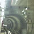 從駕駛專用門拍往小港的隧道