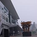 新左營站,跟他的公共藝術合影