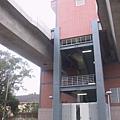 R22A 橋頭糖廠站緊急出口