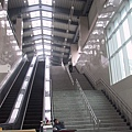 R23 二號出口往兩鐵共構穿堂層