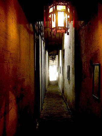 張廳的長巷