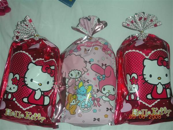 970608-D Hello Kitty樂園戰利品01.JPG